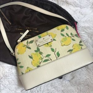 Kate spade lemon crossbody in excellent condition